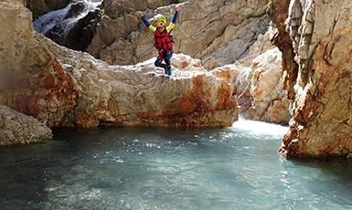 Trip canyoning demi-journée à partir de 8 ans